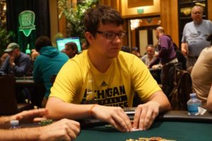 Sam Panzica mène le circuit des WSOP 2016/17 Palm Beach Kennel Club $ 1,675 Main Event Final 10